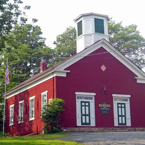 715px-huguenot_schoolhouse