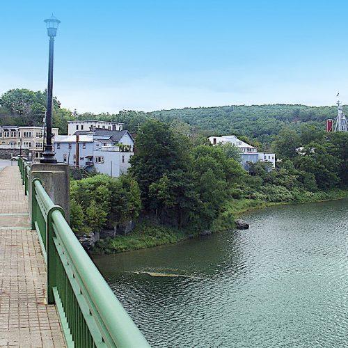narrowsburg_ny_from_ny-pa_bridge.